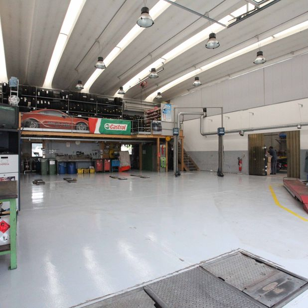 Interno officina auto - Garage Biauto